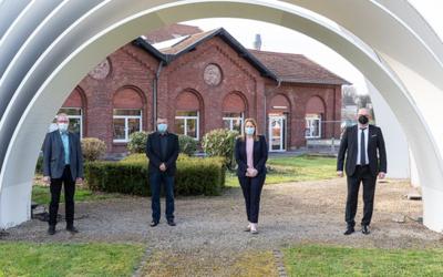 Dillinger & Saarstahl: Saarländische Kultusministerin informiert sich über Ausbildung in Corona-Zeiten